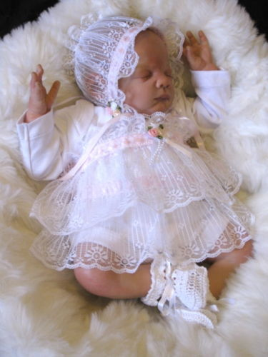 BEAUTIFUL BABY GIRLS 3PCE LACEY WHITE OUTFIT